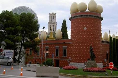 Dünyanın en ilginç binaları.. 13