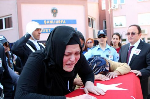 Şehit polis gözyaşlarıyla uğurlandı 8