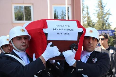 Şehit polis gözyaşlarıyla uğurlandı 9