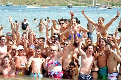 Bodrum sahillerinde çılgın eğlenceler 4