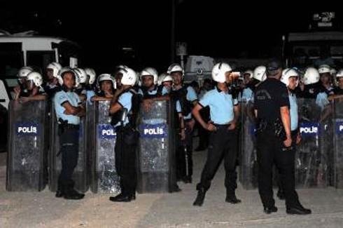 Gaziantp'te tencere ve tavalı Gezi Parkı eylemi 3