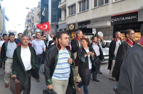 Avukatlardan protestoculara destek  11