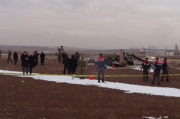 Helikopter düştü: 4 Şehit 3