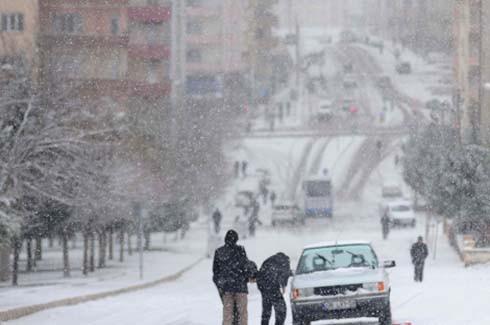 Kar kazaları beraberinde getirdi 7