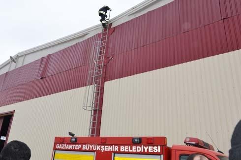4.Organize Sanayi'de Galvaniz Fabrikası'nda patlama 27