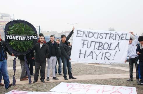 Gaziantepspor yönetimine istifa tepkisi 11