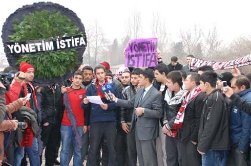 Gaziantepspor yönetimine istifa tepkisi 3