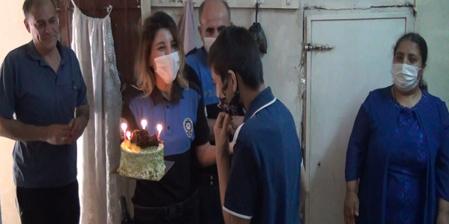 Polislerden doğum günü sürprizi