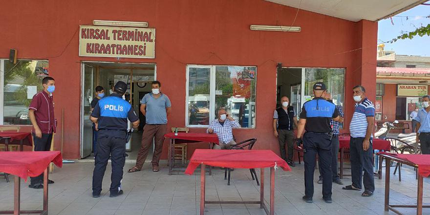 Polis tek tek uyardı
