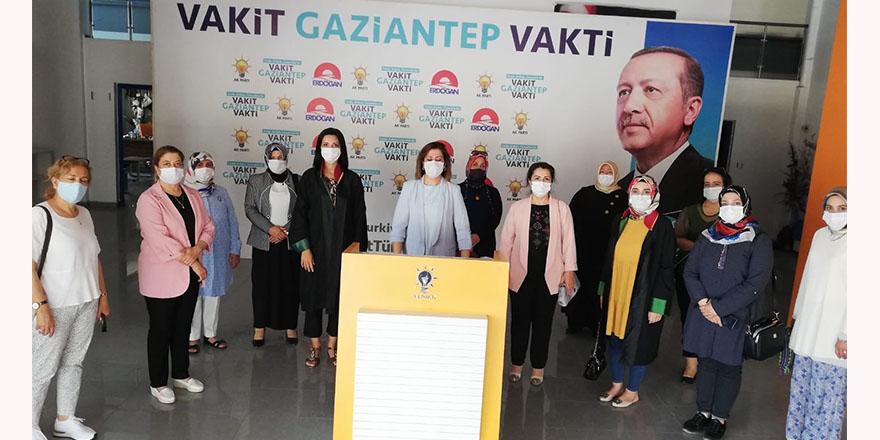 AK Parti'li kadınlardan Dilipak'a suç duyurusu