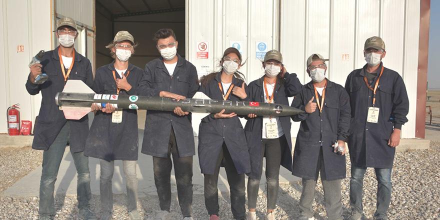 Roket yarışmasına katıldılar