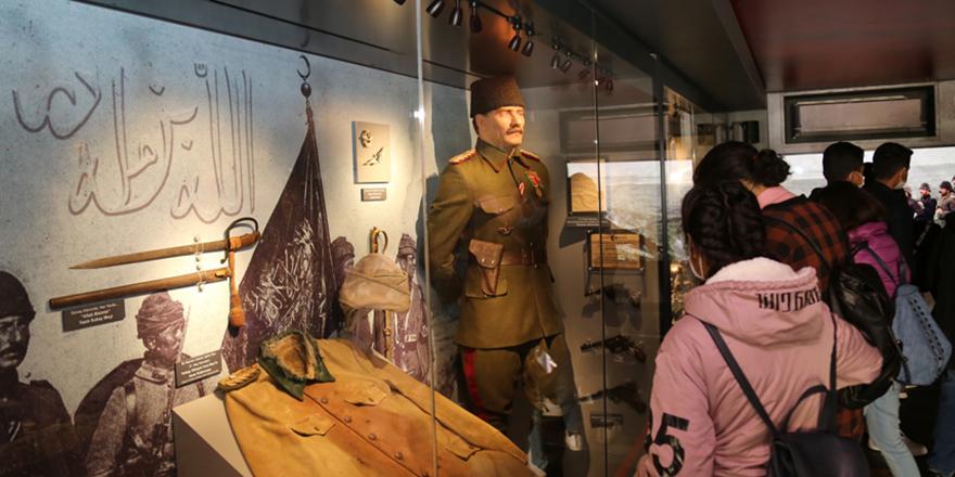Çanakkale Savaşları Mobil Müzesi'ne yoğun ilgi