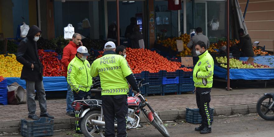 Motosikletin çarptığı kişi yaralandı