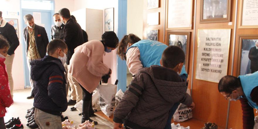 Köy okullarına yardım eli