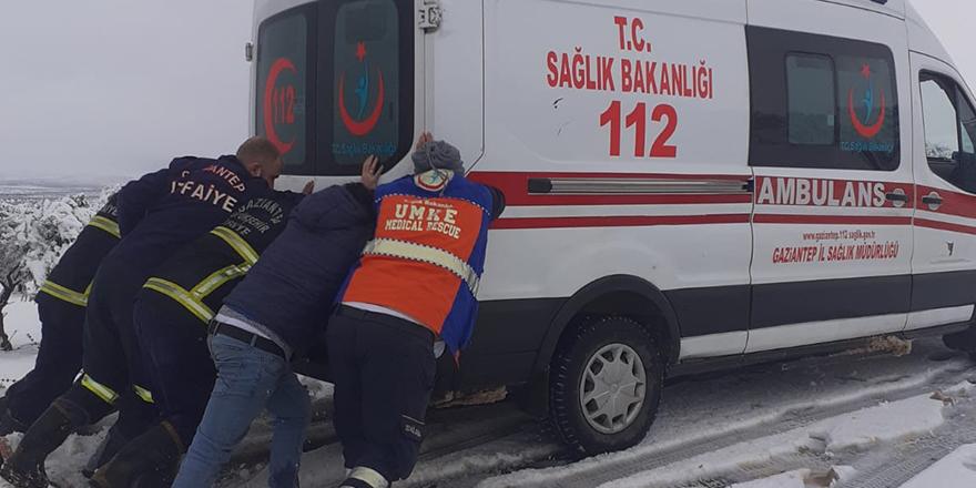 Kurtarma ekipleri yolda kaldı