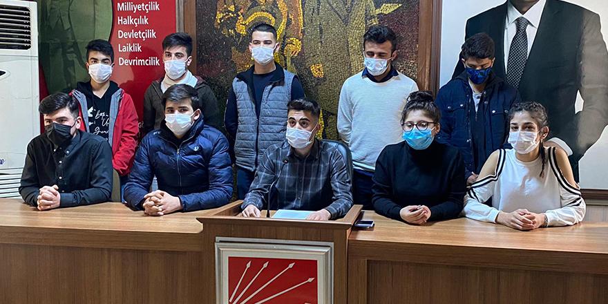 CHP'li liseli gençlerden eğitim eleştirisi