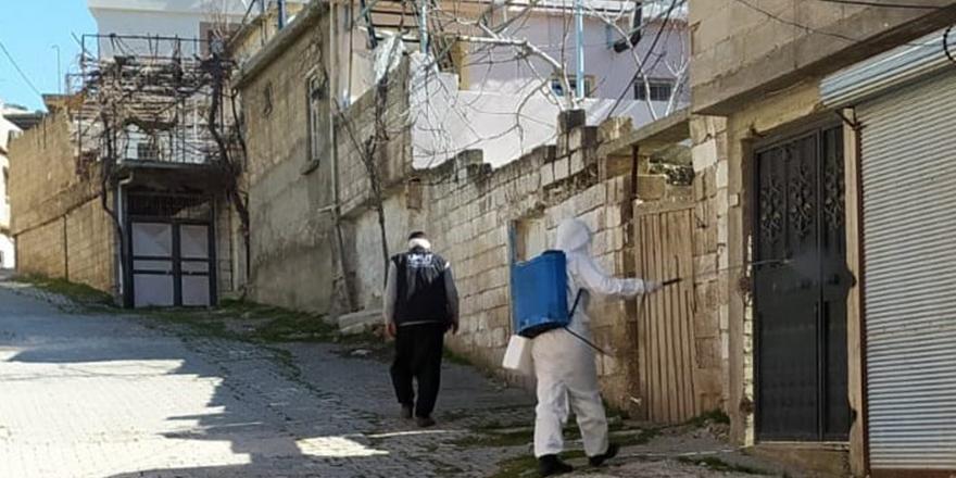 Karantinadaki evler dezenfekte edildi