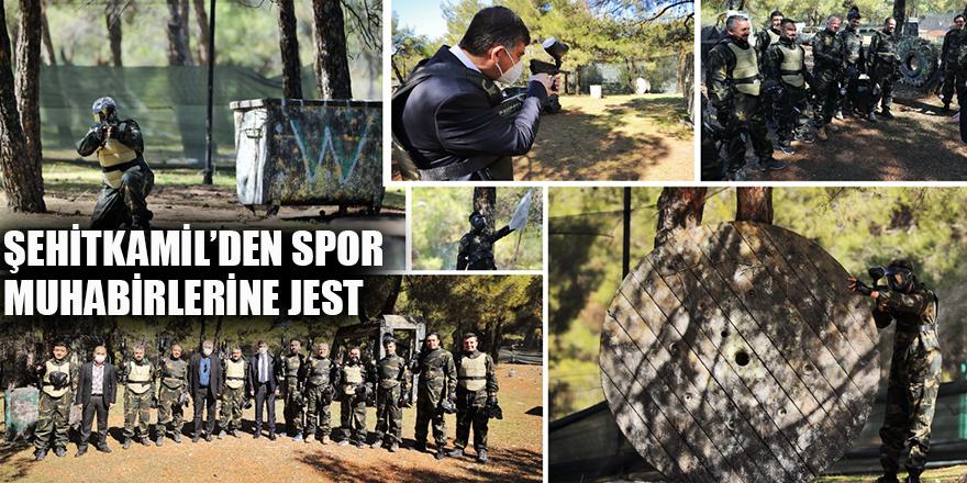 Şehitkamil'den spor muhabirlerine jest
