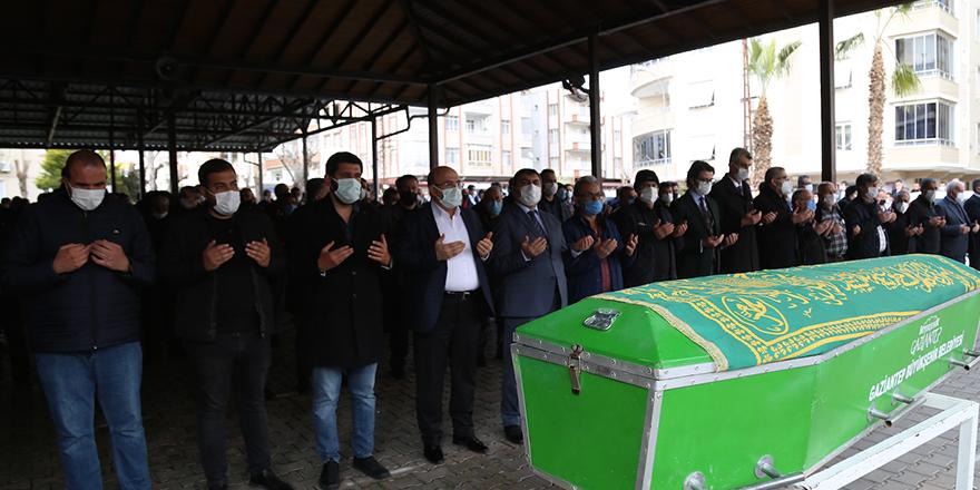 Özkaya'nın cenazesi toprağa verildi