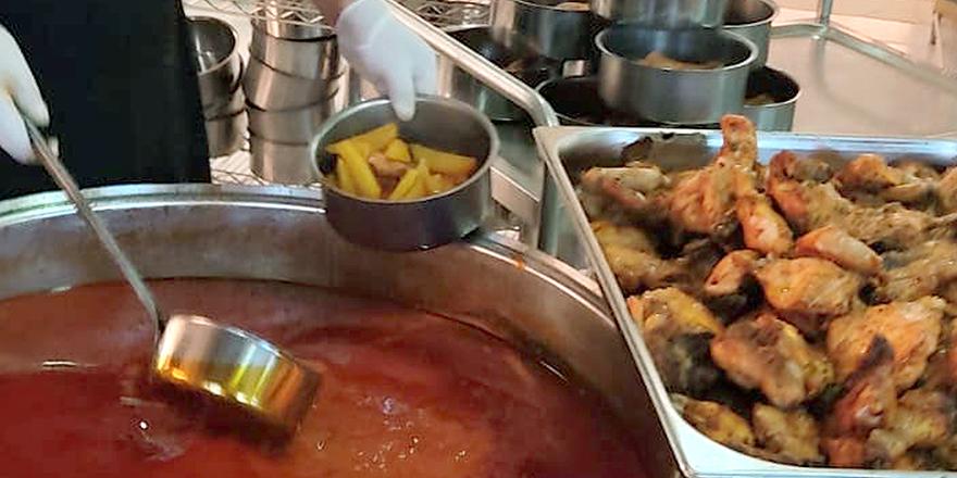 Her gün 490 aileye sıcak yemek