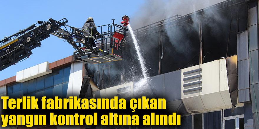 Terlik fabrikasında çıkan yangın kontrol altına alındı