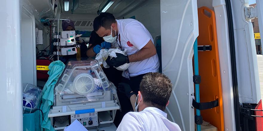 Ambulans uçak 5 günlük bebek için havalandı