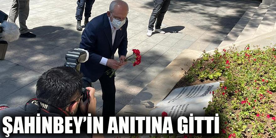 Şahinbey'in anıtına gitti