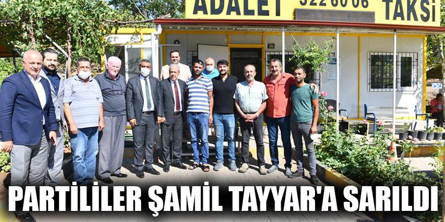 Partililer Şamil Tayyar'a sarıldı