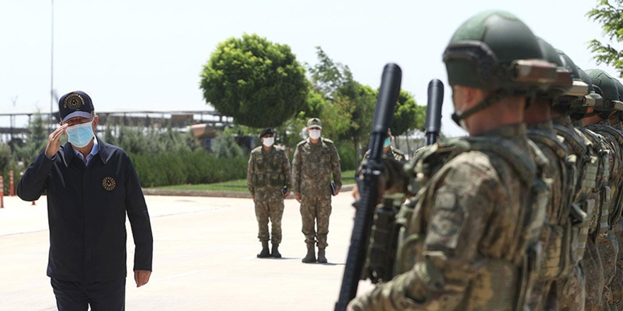 Akar ve kuvvet komutanları sınır hattında