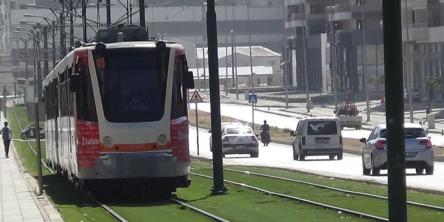 İbn-i Sina'da tramvay kazası
