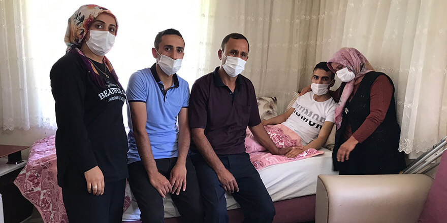 Gazi olan asker baba evinde