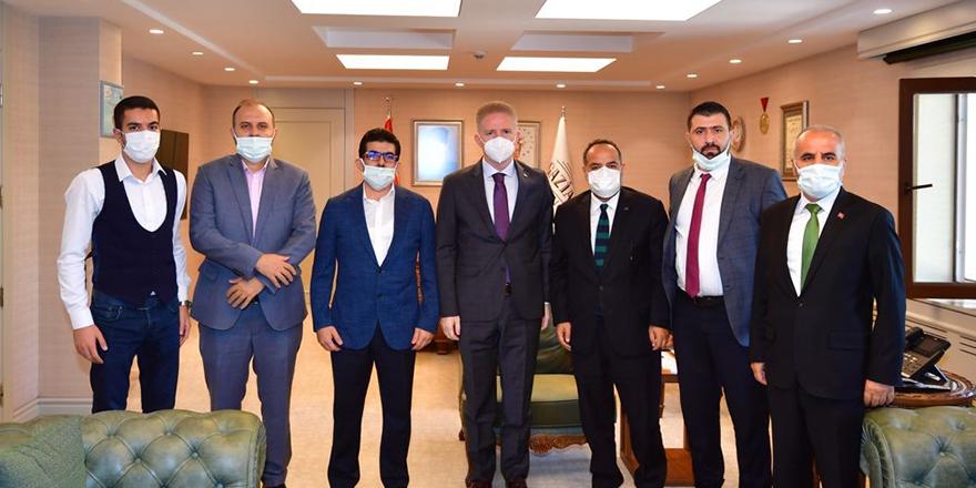 Arap iş adamlarından 10 bin fidan bağışı