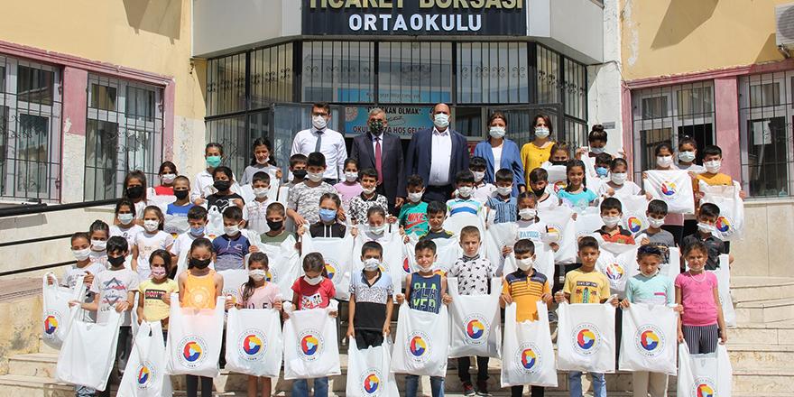 Öğrencilere kıyafet desteği