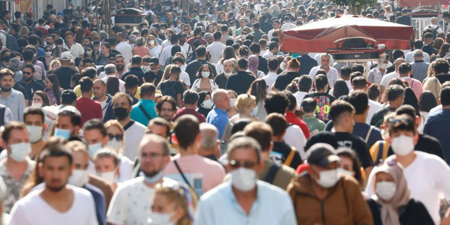 Aşısızların pandemisi' posizyonuna evrildi