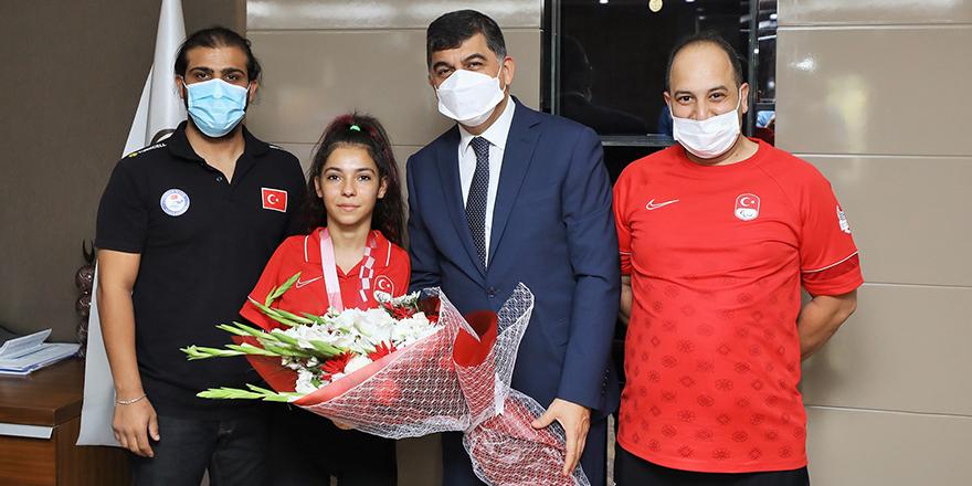 Sevilay Öztürk'ten Fadıloğlu'na ziyaret