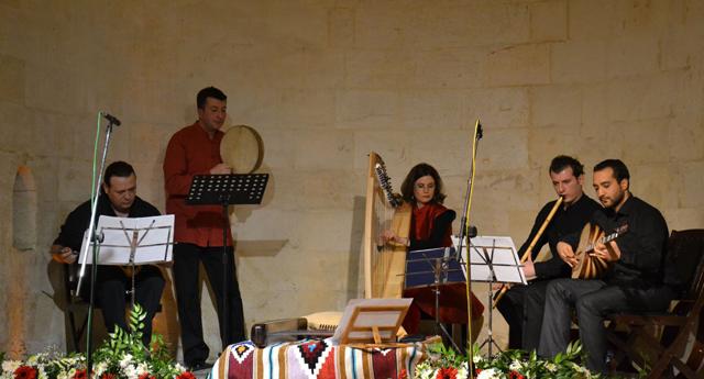Arp ve Çeng Musikisi\'ne alkış