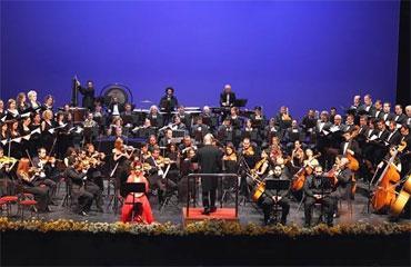 Ali Aykaç besteleri opera sahnesinde