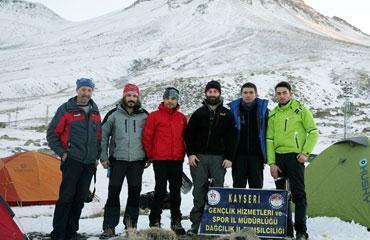 Kayserili dağcılar Hasan Dağına tırmandı