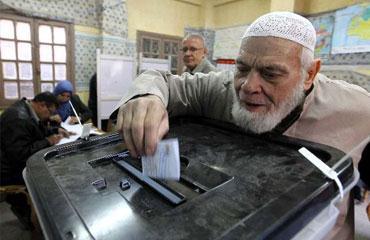 Mısırda darbe referandumu başladı