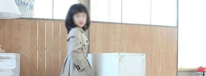 6 yaşındaki kızını çıplak halde balkona kilitledi