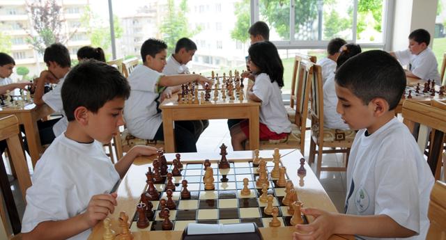 Şehitkamil satranç çocuk liginde iddialı