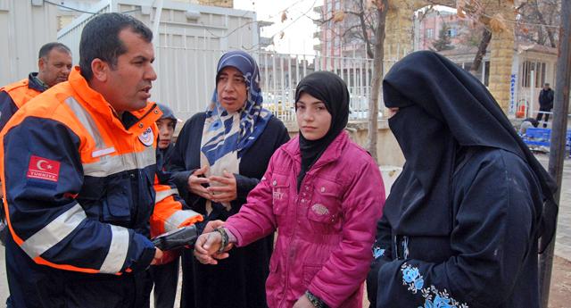 Suriyeli aileler kontrol geçti