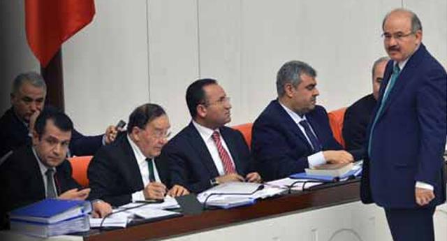 AK Parti\'nin köşk adayını açıkladı