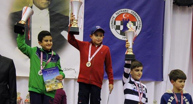 Sanko okulları öğrencisinin satranç başarısı