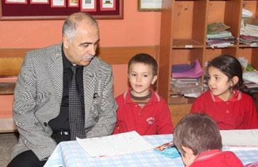 Vali Karahan okulları denetledi