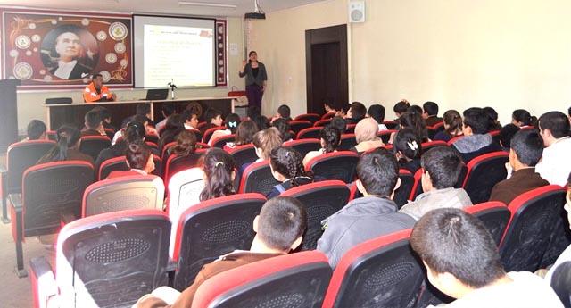 Gençlik Merkezi\'nden seminer