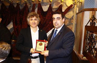 Ömer Özkan yılın doktoru seçildi