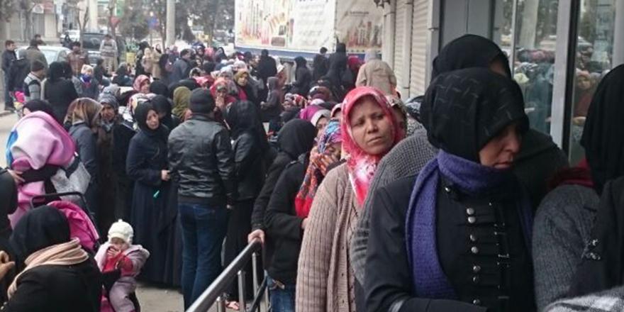 Suriyelilere Kızılay Kartı