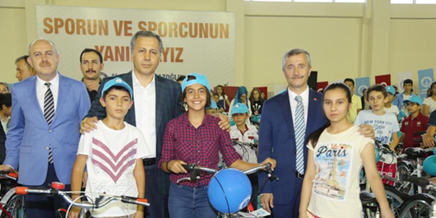 Şahinbey 3 bin 500 bisiklet dağıttı
