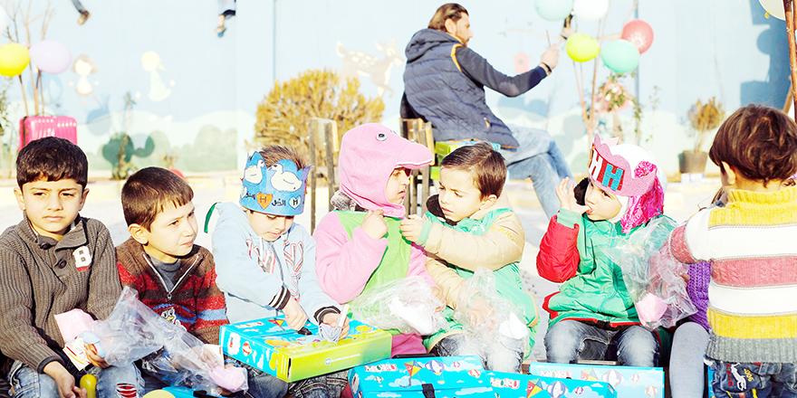 Çocukları sevindiren yardım